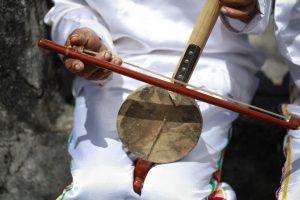 Mengenal Alat Musik Maluku dan Cara Memainkannya