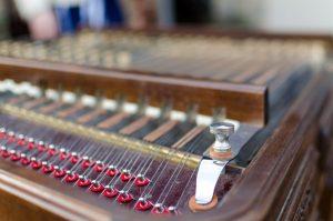 Alat Musik Petik Tradisional Indonesia dan Modern